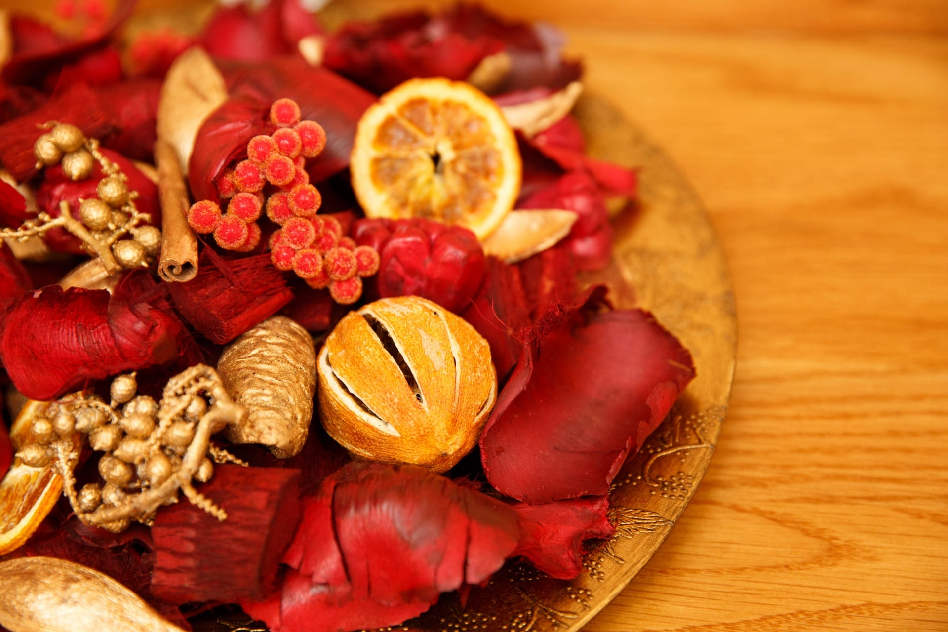 Get a Potpourri or Make a Stove Simmer