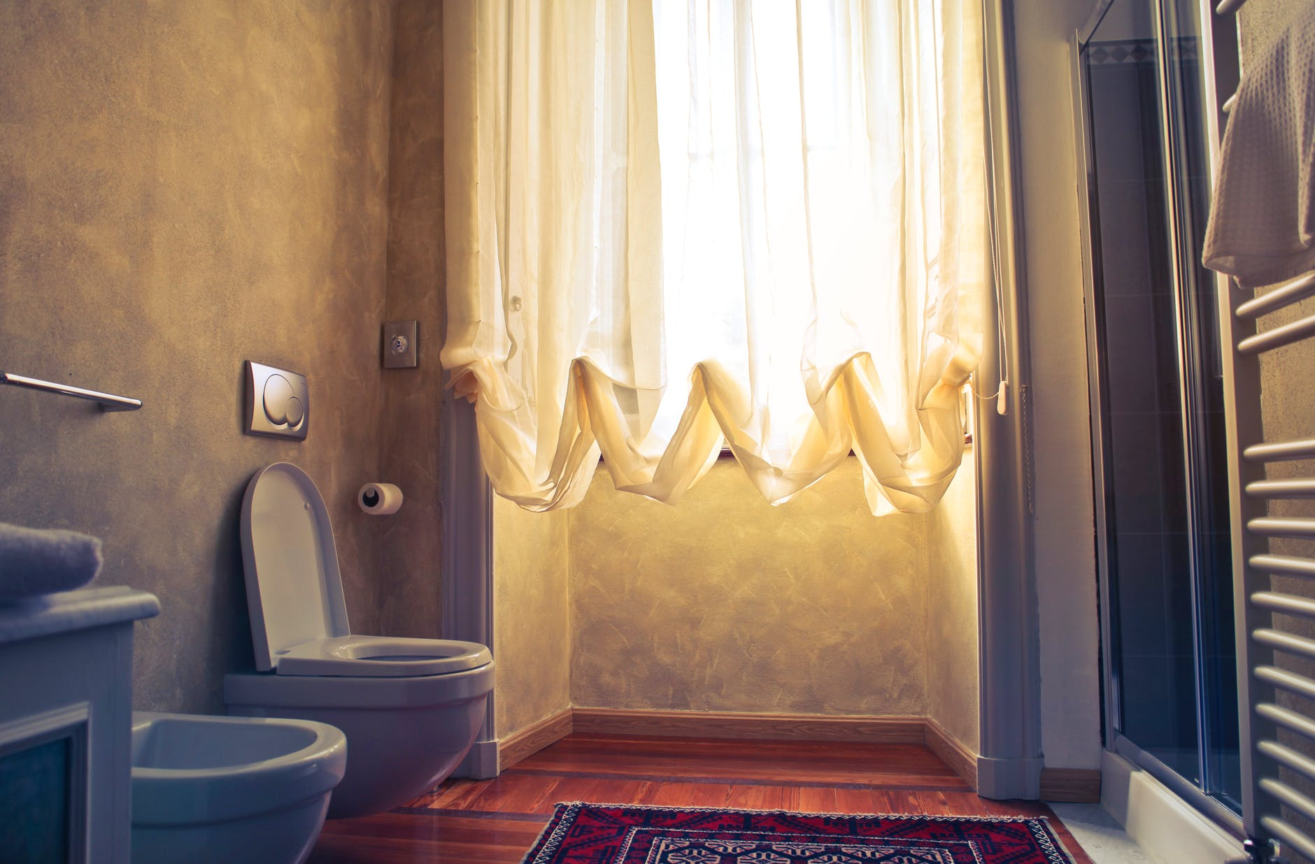 One off cleaning_Decluttering your bathroom